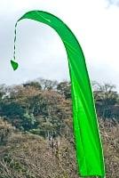 [グリーン]カラフルプリント - ウンブル・ウンブル(バリのぼり旗)【約220cm】