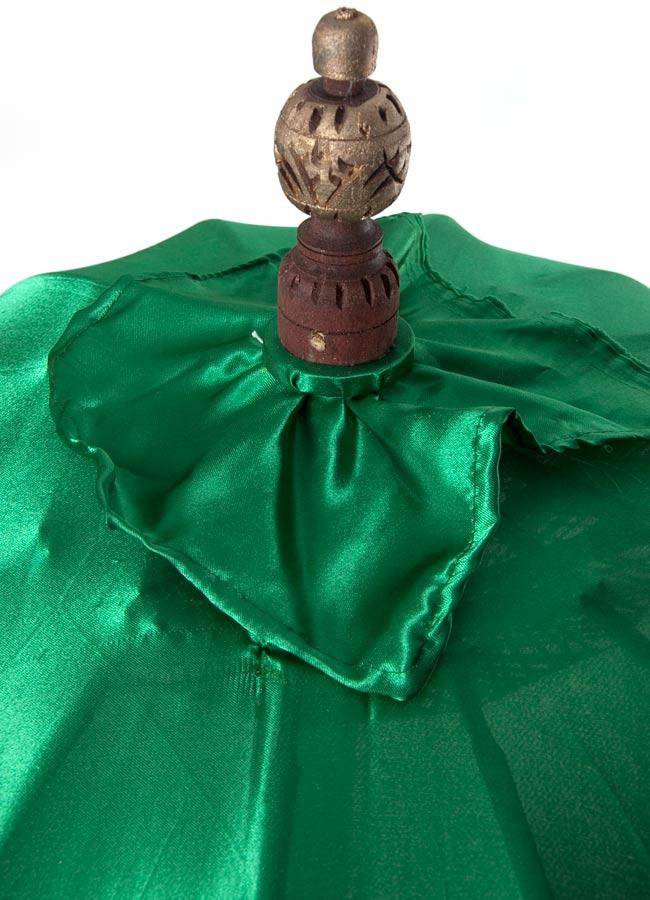 バリの傘(緑) - 80cmの写真2 - 傘の上の部分の写真です