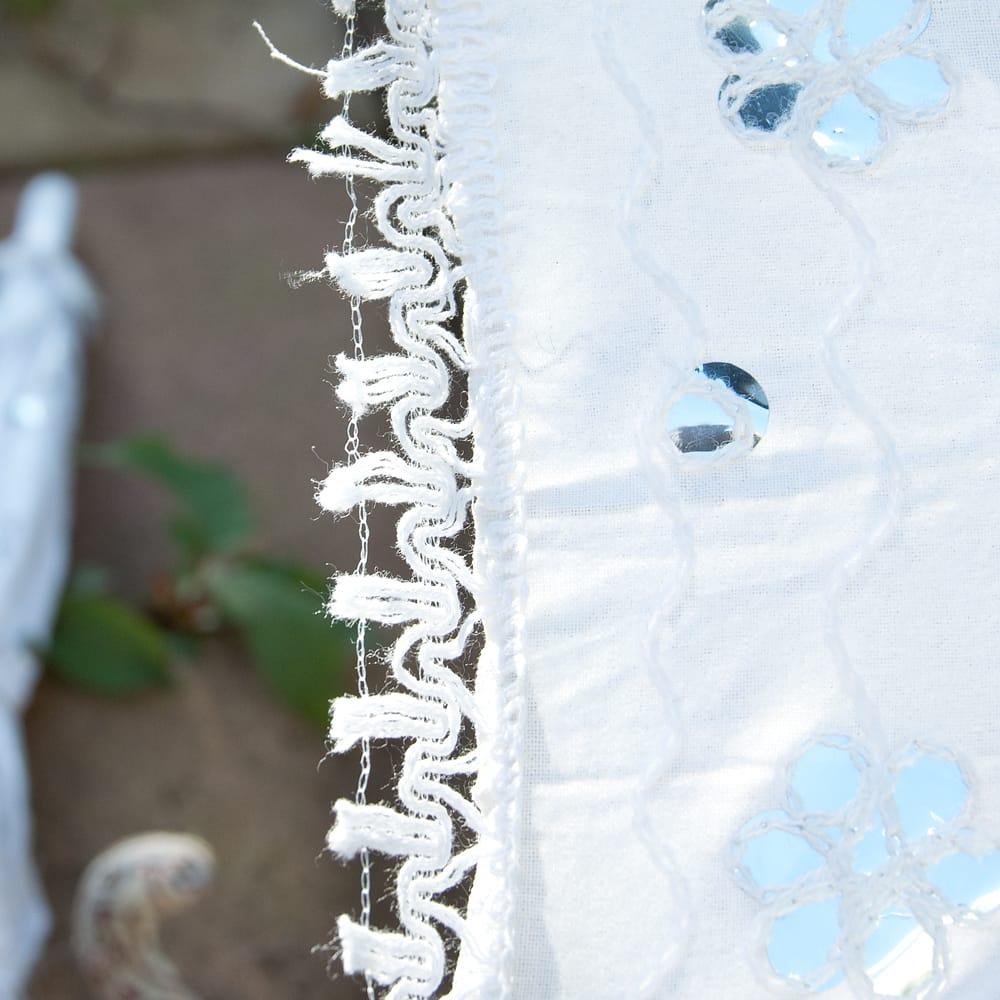 〔アソート〕インド・ラジャスタンのホワイト刺繍傘・日傘 - 直径65cm程度 4 - 縁の写真