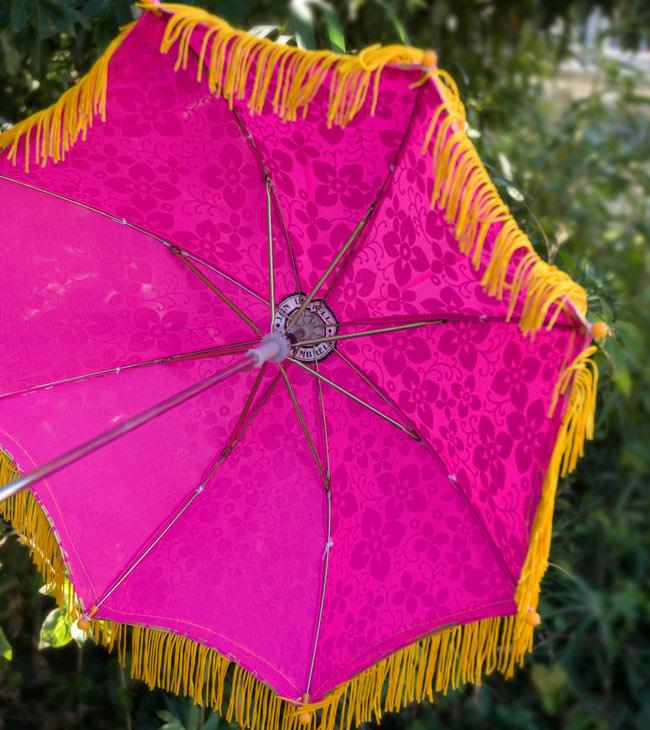 デコレーション用傘 - ゴールド・紫の写真3 - 傘の裏面はこんな感じです