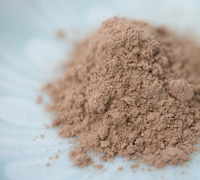 Indy Herbs Mix 洗髪用ハーブパウダー - Mix herbの写真6 - 中のパウダーです。非常にキメが細かく、サラサラとしています。パッケージを開けるとふんわりと草のいい香りがしてきます
