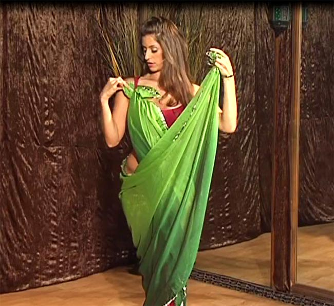 Belly Dance with Veil - Technique and Combinations with Sadie 3 -