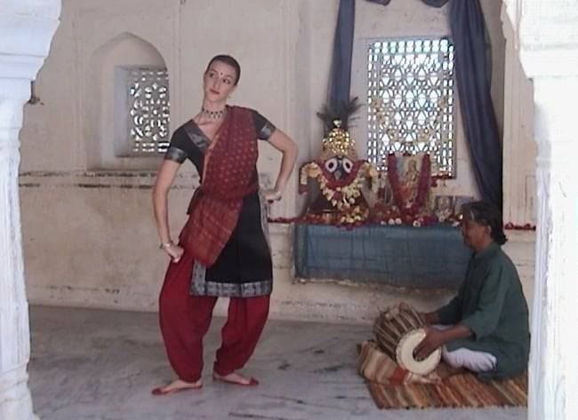 ODISSI - Classical Indian Dance Instructional DVD[Tribungi Stepping - Volume 2] Colleena Shakti 4 -