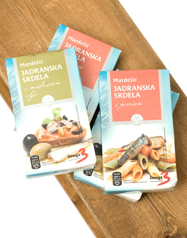 サーディン缶 トマトソース入 - Sardines in Tomato Sauce 【Adriatic】の写真2 - アドリア海のイワシを使ったオイルサーディンは、現地では大変人気のようです。2種類の味をご用意しました。