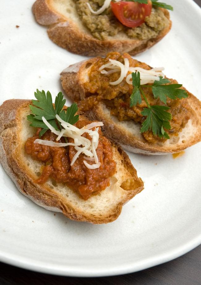 トマトブルスケッタ- Tomato Bruschtta 【CLAS】の写真3 - パンやクラッカーに乗せて、パスタソースやクスクスのソースにどうぞ。