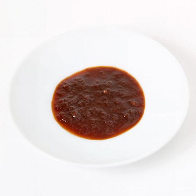 インドネシア ナシゴレン ペースト -  Indonesia Nasi Goreng Paste 【AYAM】の写真2 - スパイスや調味料がすべて混ざってペースト状になっています。この一瓶で3〜4人分のカレーを作ることが出来ます。