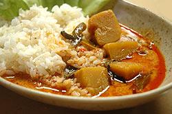 レッドカレー缶 【Orient Gourmet】の写真