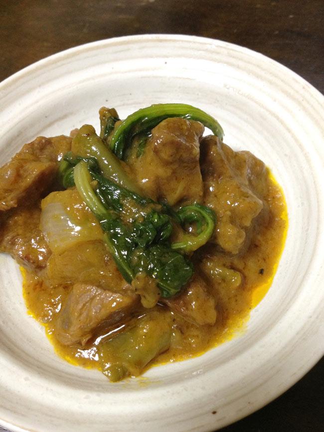 フィリピン料理 カレカレの素-Kare Kare Mix 【MamaSita's】 2 - 肉のうまみとピーナツソースが結構合います。