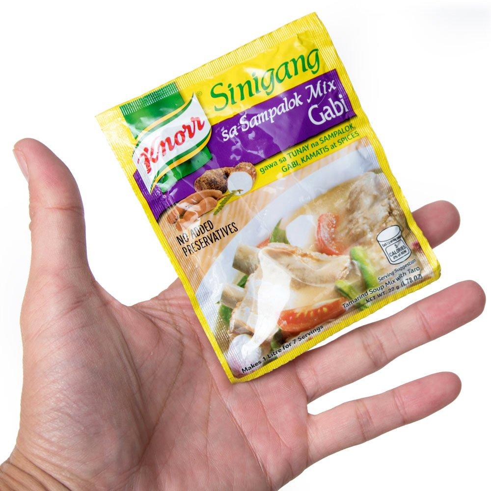 フィリピン料理 シニガンサンパロック ガビの素 - Sinigang Sa Sampalok Gabi 【Knorr】 2 - 手に持ってみました。こちらのパウダーで1リトル約4人分のスープができます。