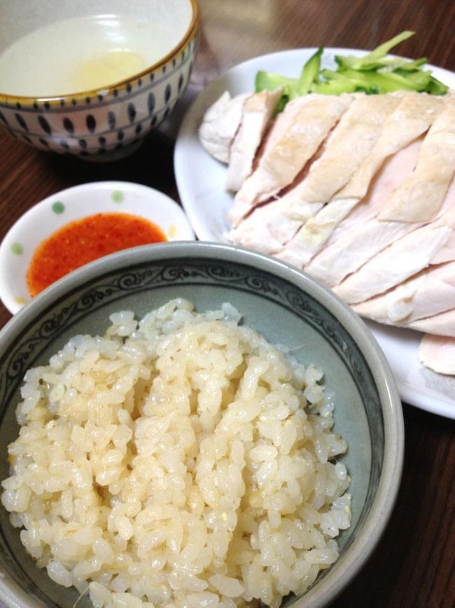 海南チキンライスの素  -  シンガポール 料理の素【Singourmet】の写真3 - 炊飯器にコメとこの素を入れるだけで美味しい海南チキンライスが出来あがります。