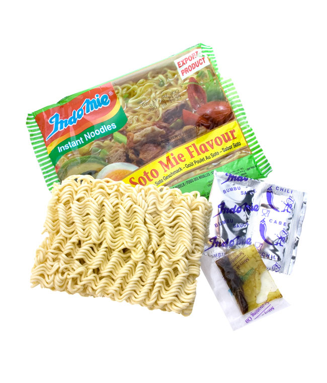 インスタントヌードル  -ソトミー味-インドネシア スープ 【Indo mie】 2 - 乾麺に液体調味料、粉末調味料がついています。