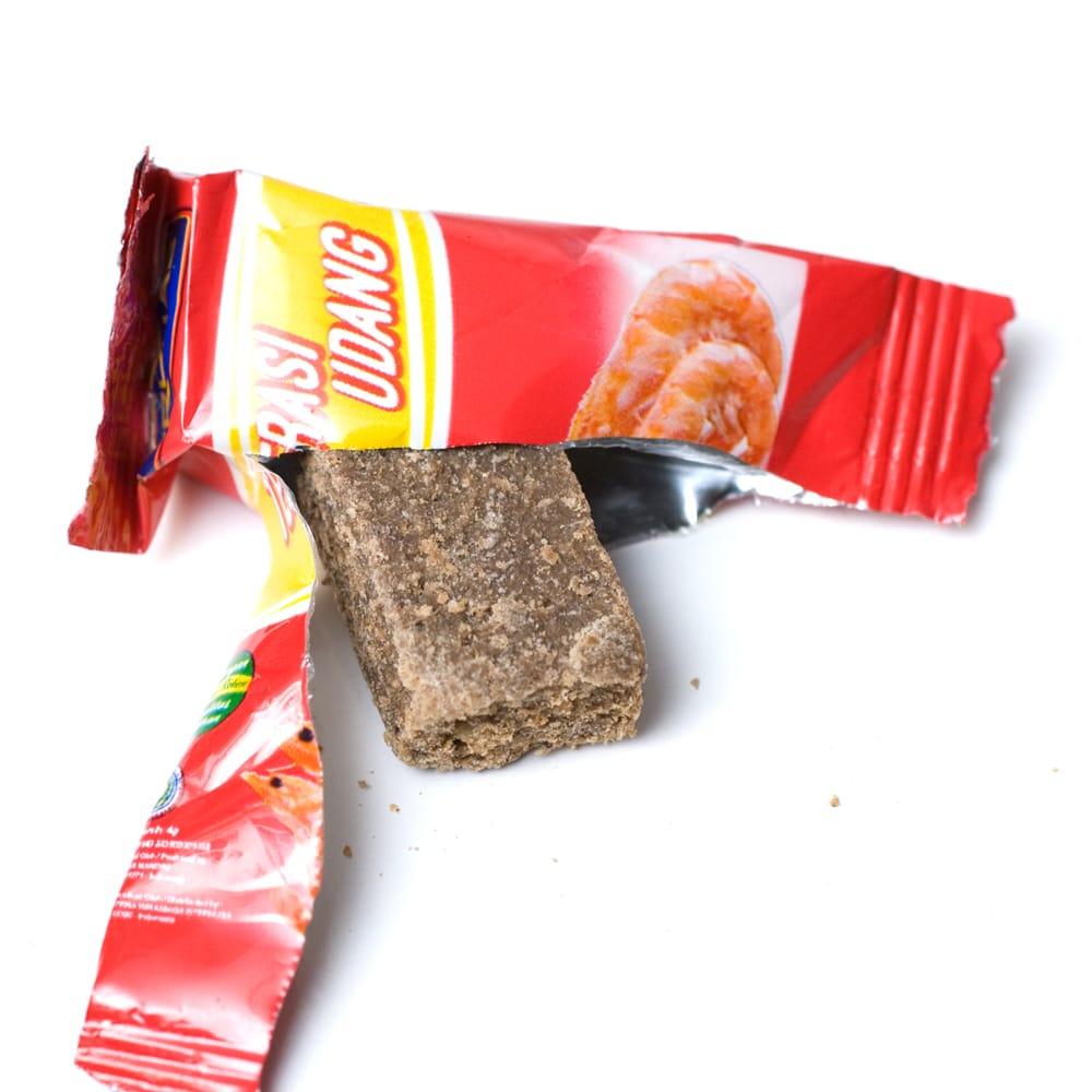 テラシ-Terasi- エビブイヨン 【MAMASUKA】 3 - 小分けパックの中にはキューブ状のブイヨンが入っています