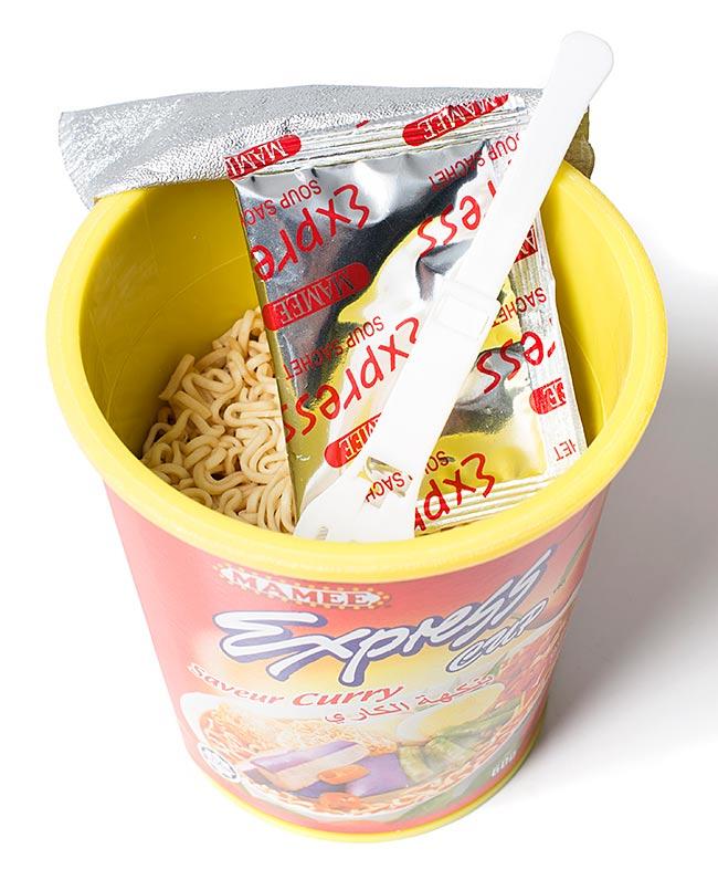 インスタント ヌードル トムヤム味 カップ 付き 【MAMEE】 2 - 中を開けてみました。(同シリーズ違う味の商品です。)