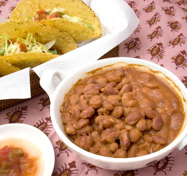 チリ ビーンズ メキシカン スタイル  【CASA FIESTA】 2 - タコスにタコライス、サラダやパンに挟んだり煮込み料理に使ったり、使い方はいろいろ。そのまま食べても美味しいですよ。
