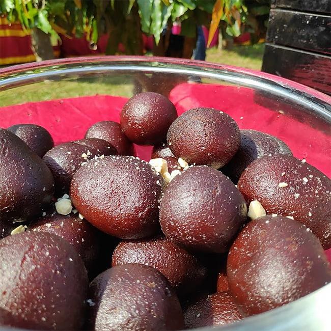 インドお菓子  グラム ジャムの素 -Gulab Jamun Mix 【MTR】 3 - この一袋に必要なシロップになんと800gの砂糖を使います。驚愕!!