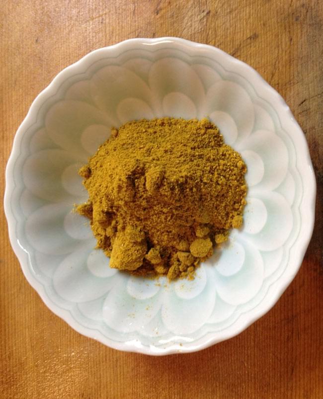 カレーパウダー Curry powder Multipurpose 【MTR】 2 - パウダースパイスが絶妙な配合のミックスです。日本のカレー粉に近いですが、よりスパイシーです。