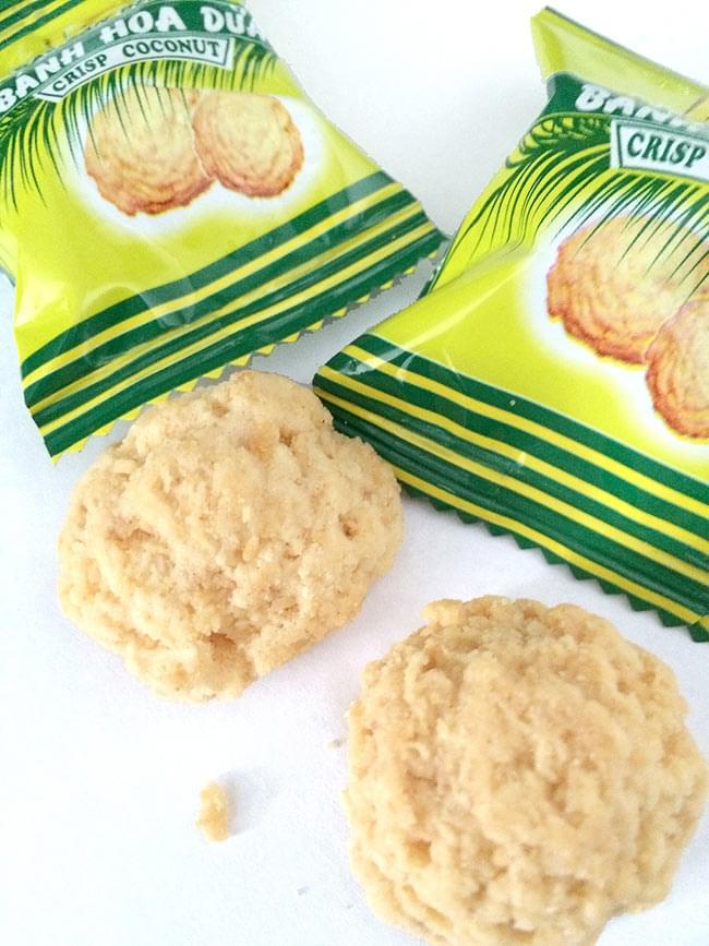 ベトナムココナッツクッキー 150g  【YEN HOANG】 2 - ココナッツ風味満点のクッキーです。封を切るととてもいい香りが漂います。一つ一つ個包装です。