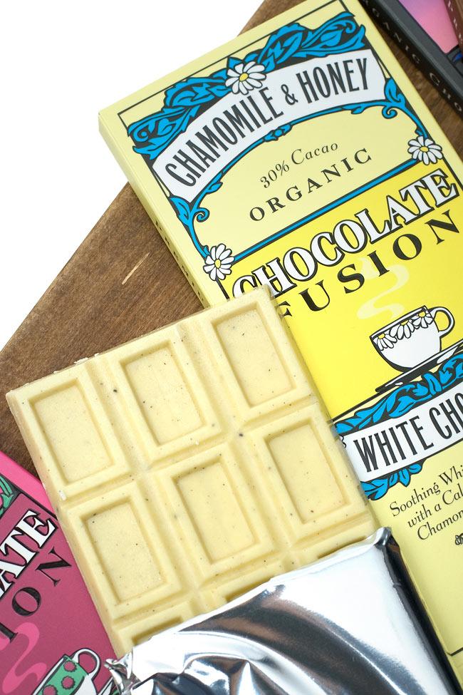 【冬季限定】オーガニックチョコレート - カモミール&ハニー - Chamomile &Honey 【The Tea Room】 3 - 唯一のホワイトチョコ。チョコとカモミールティの香りが素晴らしい香りを醸し出します。