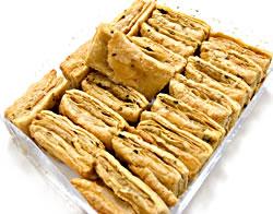 メティ カリ パイ (100g) Methi Khari - こちらのようなパイが入っています。こちらの写真は200gのものを撮影したものです。こちらの商品は100gですので、実際は、この半量になります。