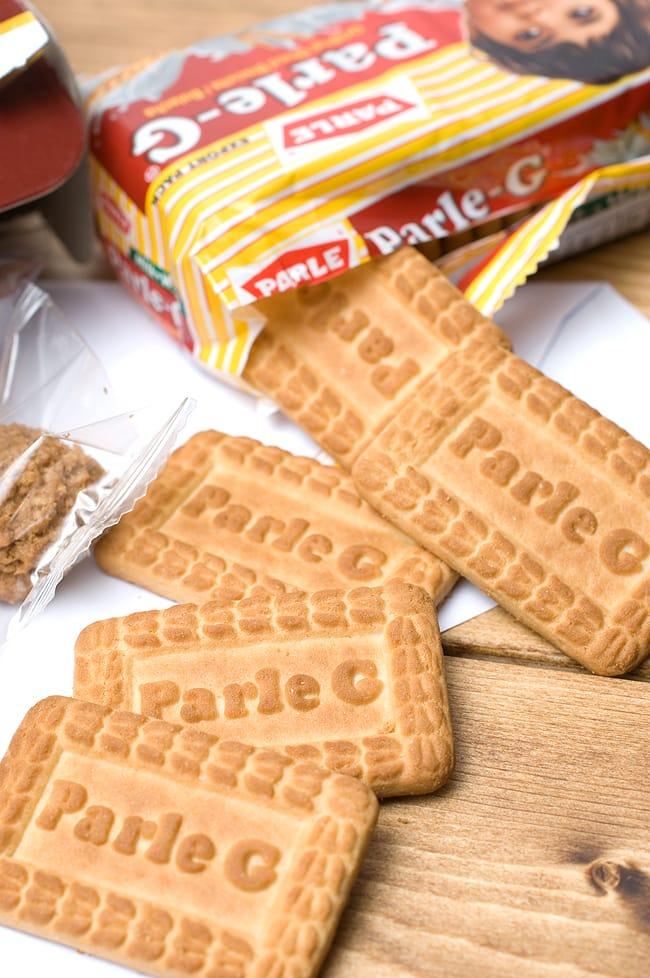 ミルキービスケット −パールジー 【Parle-G】 の写真2 - すごく懐かしい味がします!!みんなで食べても1人で食べてもGoodです。チャイやミルクと一緒にどうぞ!!