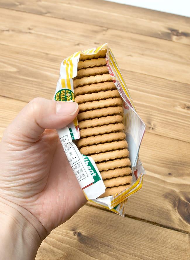 ミルキービスケット −パールジー 【Parle-G】 の写真4 - この一袋で17枚程入っていました。