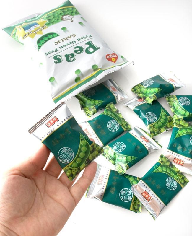 台湾スナック ガーリック・グリーンピース 100g 【盛香珍】 3 - 中には小袋に小分けされて入っています。いつも開けたて新鮮で食べられます。
