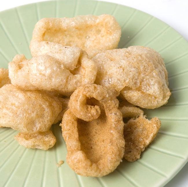 チチャロン スナック - 豚皮の唐揚げ レギュラー味 Chicharon Regular 【Best1】 2 - 豚皮をからっと唐揚げしました。サクッとしてもふもふです。