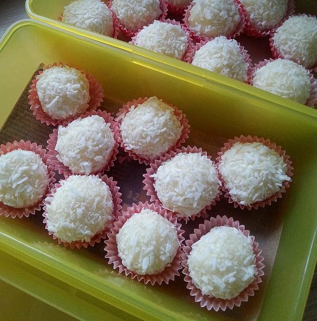 ココナッツファイン - Coconut Fine【500g袋入り】 4 - ココナッツファインで、この様なお菓子が作れます。この写真で使われているのはも本品よりも粗めのココナッツパウダーですね。
