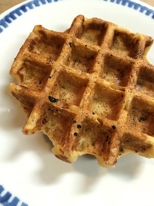 パンケーキ & ワッフル ミックス オーガニック - Fiddle Cakes 【FIDDLERs GREEN FARM】 3 - ワッフルを作ってみました。砂糖を入れ過ぎて、甘々に仕上がりました。でも美味しかったです。簡単に作れるので、また挑戦しようと思います。