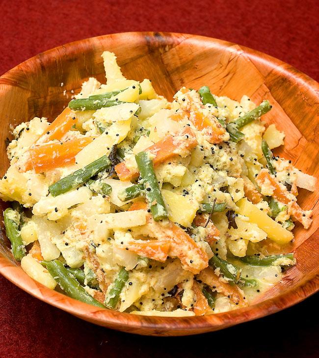"""フレッシュカレーリーフ - Fresh Curry Leaves 【15g】 5 - 使用例:アヴィヤル <a href=""""http://recipe.tirakita.com/recipe/277/"""">レシピ</a>"""
