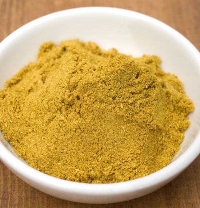 コリアンダー パウダー 200g 箱入り Coriander Powder 【AHMED】 2 - カレー、焼きもの、炒めものなどなど、世界中で使うコリアンダー。パウダー状になっていてとっても便利。