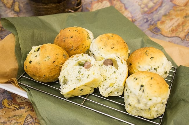 オーガニック ドライグリーンケール 80g ‐ Organic Dry Kale 【ALISHAN】 2 - 調理例。パンに練り込んでみました。