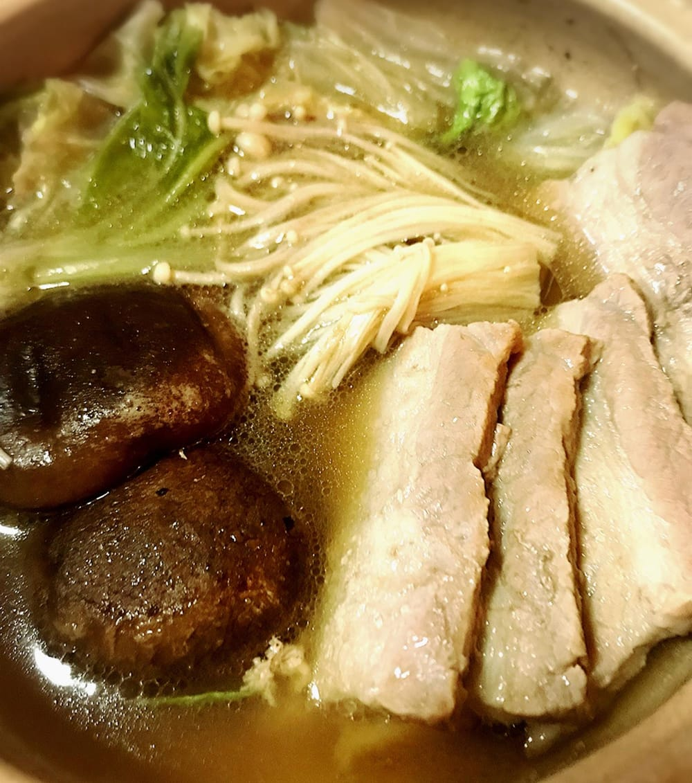 バクテーの素 - マレーシア薬膳スープ - BAK KUT THE 8 - 当店スタッフが施策してみました。一見すると鍋のようですが、ちゃんとした薬膳スープの味がしました