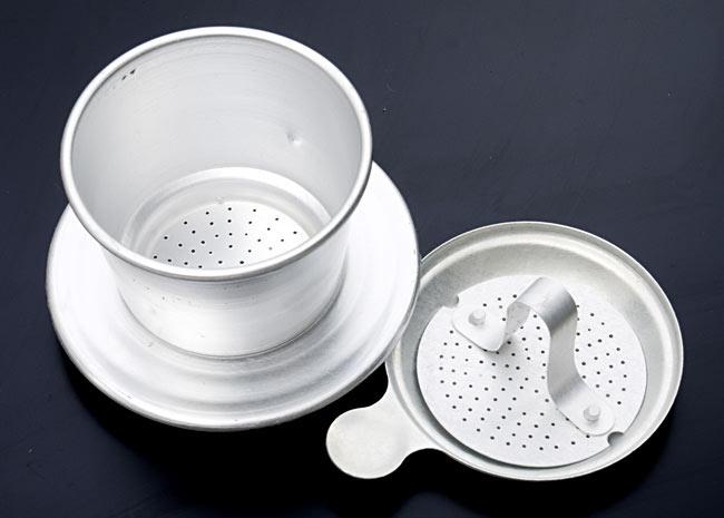 ベトナム コーヒー フィルター 【アルミ製】 3 - ぎゅっと押すだけの抑え中ぶ48たです。ネジ式ではありませんので、粉をセットする時や後の洗浄処理が簡単です。
