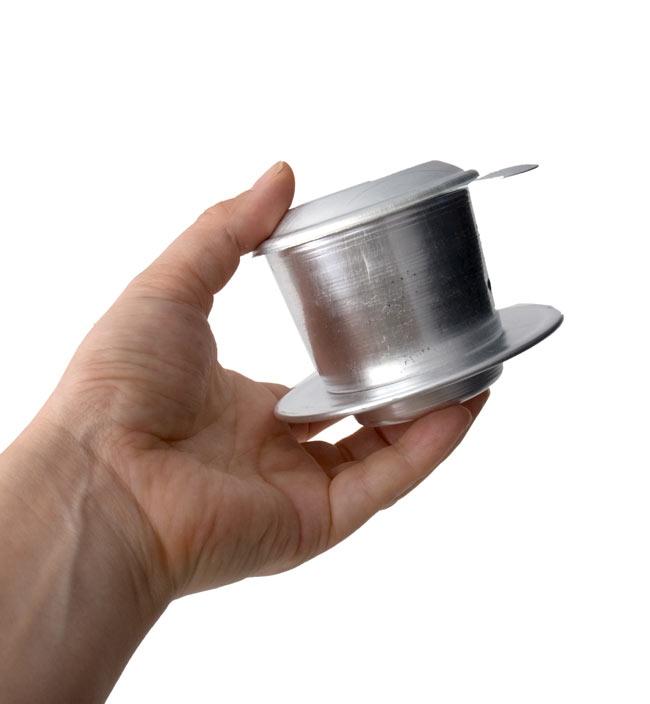 ベトナム コーヒー フィルター 【アルミ製】 4 - 手に持ってみました。一人分の大きさです。