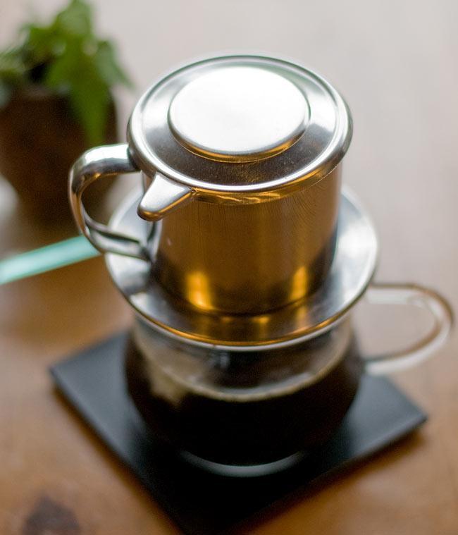 ベトナム コーヒー フィルター 【ステンレス製】 2 - ベトナム式は、コップの上に直接乗せてドリップします。