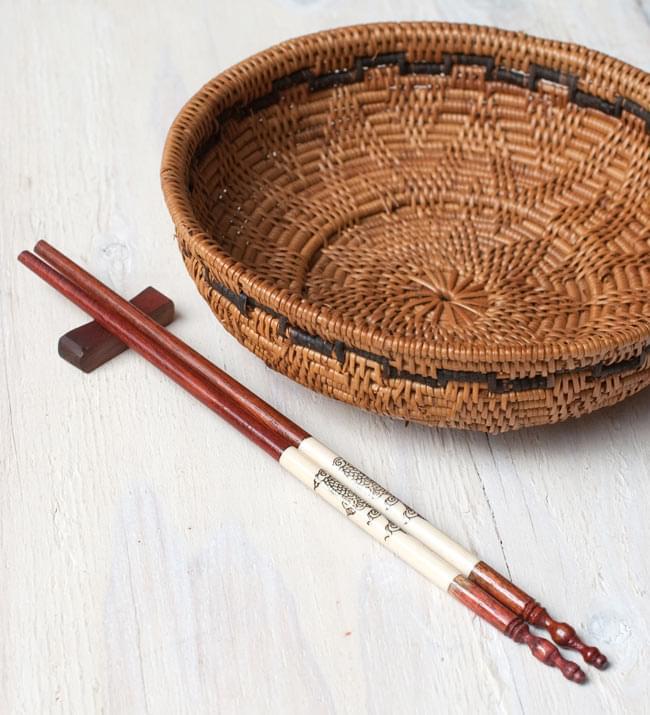 アジアの箸[ドラゴン柄・茶] 5 - アタカゴと一緒に