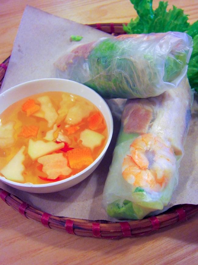 ベトナムの野菜シュレッダー 5 - ベトナムで食べた生春巻き。野菜とハーブたっぷりで美味しいです!