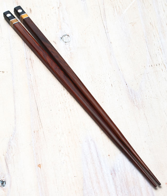 先が細いアジアン箸の写真