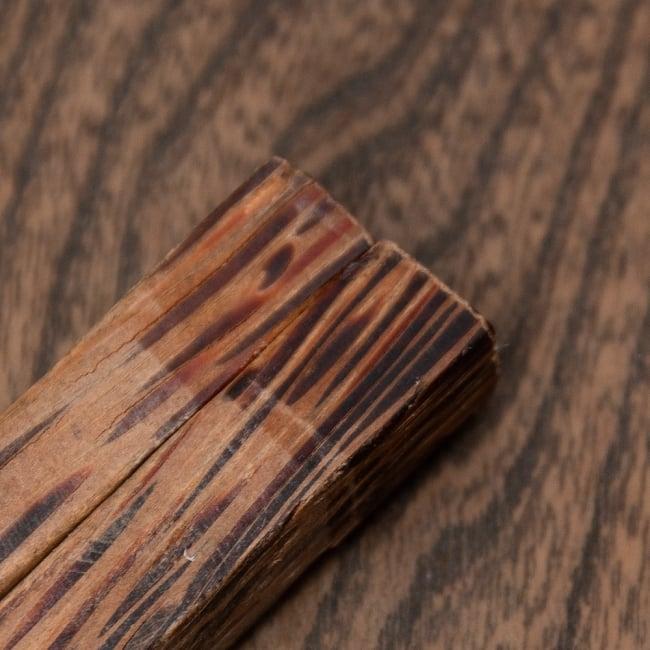 ベトナムのココナッツ菜箸 8 - 両端をセロテープで留めた跡が残っています…