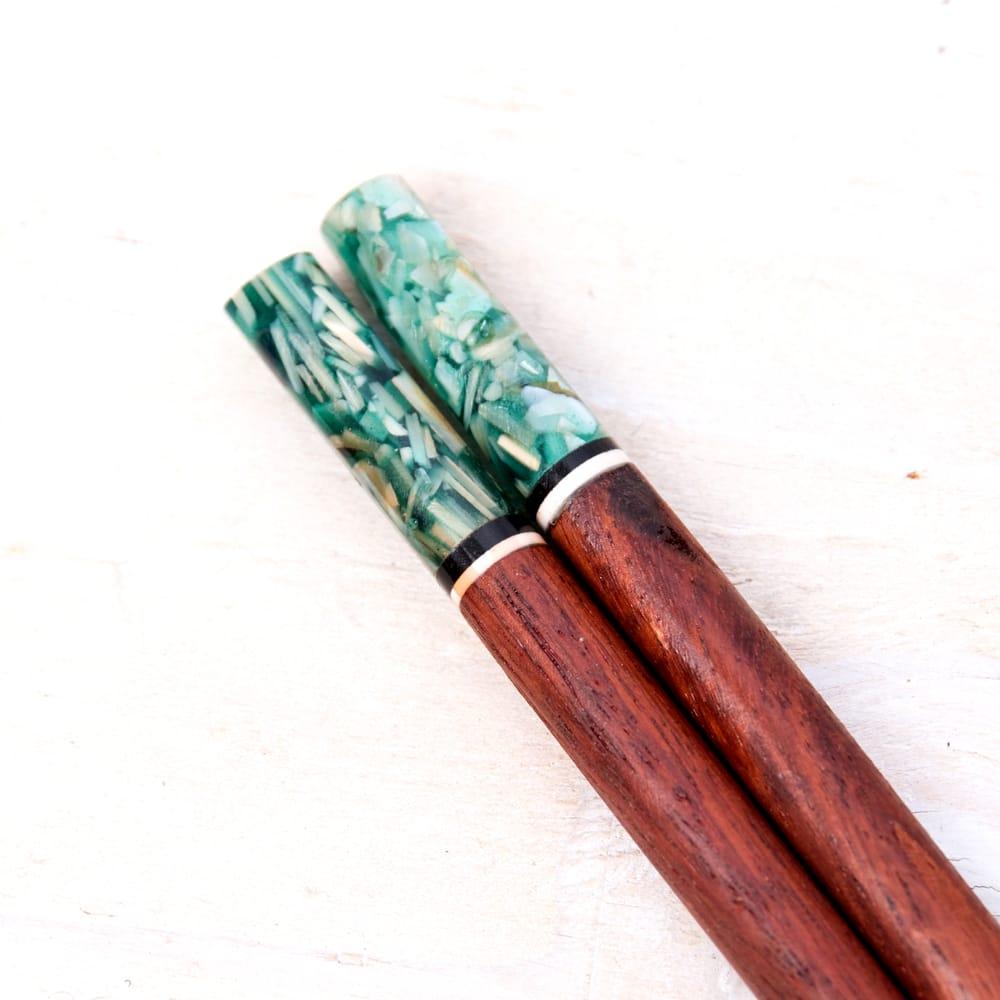 アジアの箸[黒蝶貝ミックス] 2 - 頭の部分を拡大してみました