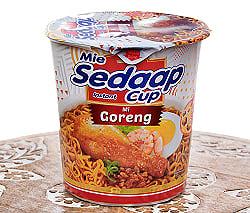 インドネシア風カップ焼きそば(ミーゴレン味) - Mi Gorengの商品写真