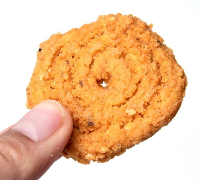 インドのスパイシークッキー ムルク - Murukku  5 - クッキーみたいな見た目ですが…