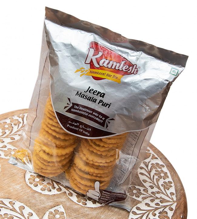 クミン味のビスケット - Jeera Masala Puri【Karnesh】 2 - パッケージのアップです