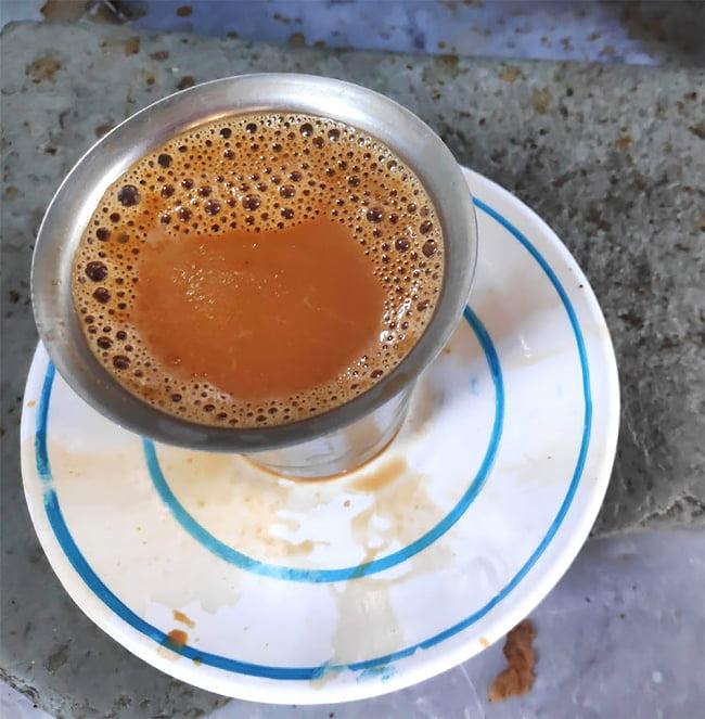 ティーマサラ - チャイ用スパイス - KAMAL TEA MASALA[100g] 6 - グジャラート州で飲んだチャイ。CTC紅茶葉をグツグツ煮込んで作っていました
