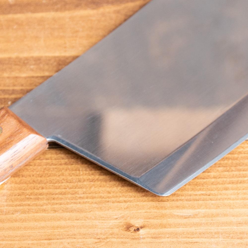 タイのチョッパーナイフ【KIWIブランド】 - Lサイズ 6 - 角張っているので細かい作業もやりやすそうです。
