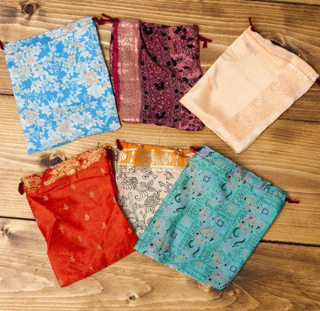 [アソート]オールドサリーの小さな巾着の写真3 - 色々な色があります。どんなものが届くかはお楽しみ!
