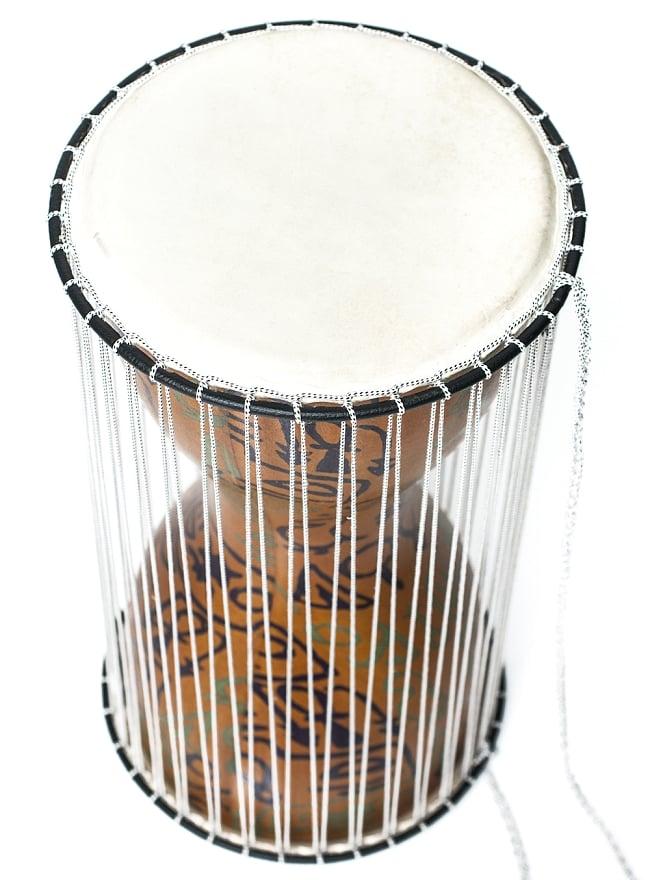 トーキングドラム 2 - 鼓面のアップです。丁寧に作られています