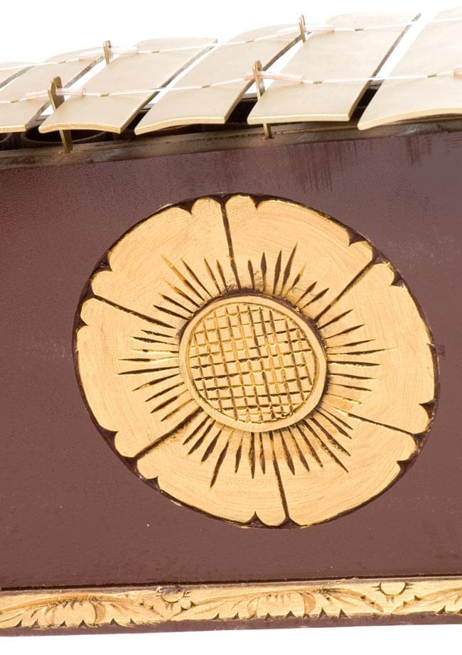 ガムラン - GENTA -の写真6 - 中央部分の拡大写真です。
