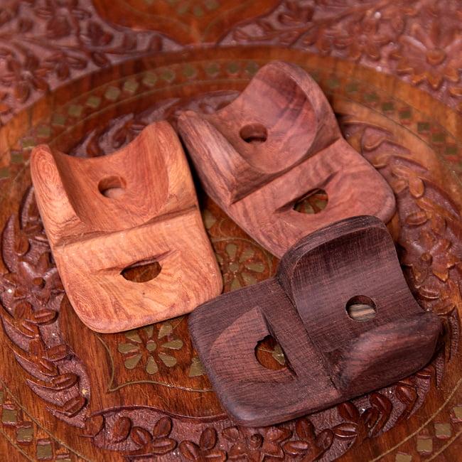 ブタ鼻になる鼻笛 5 - 天然素材を用いて、手作りしている為、色合いはそれぞれ異なります。